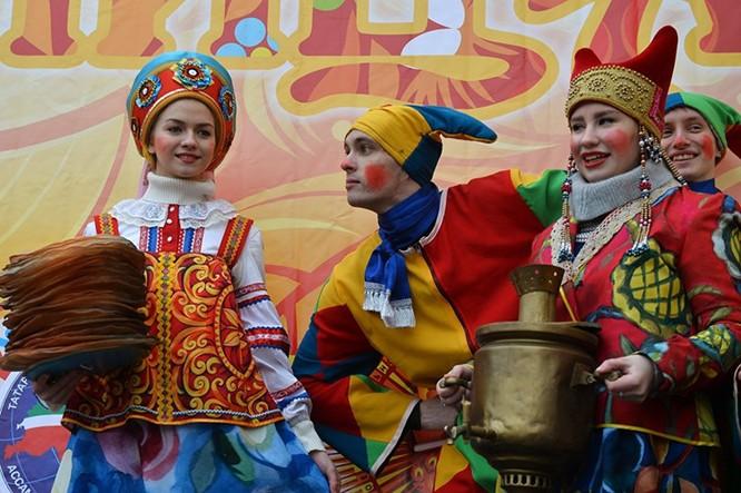 Người Nga nô nức với Lễ Giã biệt mùa Đông ảnh 3