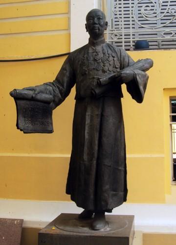Ông chủ khu chợ lớn nhất Sài Gòn là ai? ảnh 1