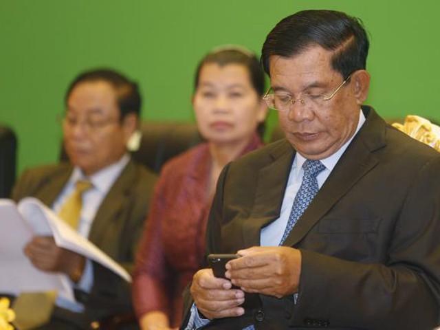 Cuộc chiến Facebook giữa Thủ tướng Hun Sen và lãnh đạo đối lập ảnh 2