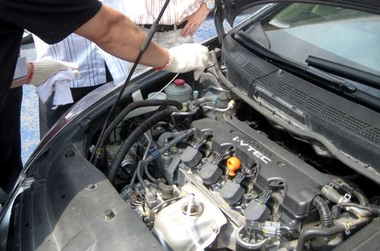 Cần kiểm tra những gì khi mua ô tô cũ? ảnh 1