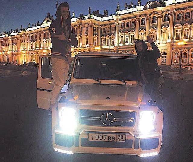 """Choáng với thú khoe xe """"xịn"""" của các cậu ấm cô chiêu Nga ảnh 14"""