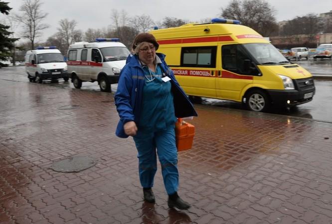 Những hình ảnh đầu tiên từ hiện trường tai nạn máy bay ở Rostov ảnh 2