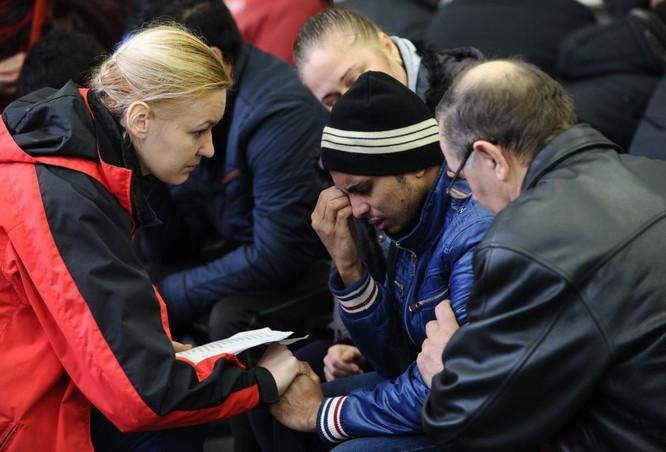Những hình ảnh đầu tiên từ hiện trường tai nạn máy bay ở Rostov ảnh 4