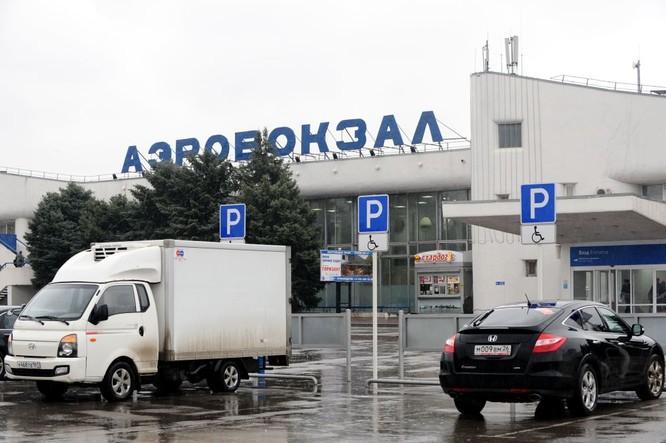 Những hình ảnh đầu tiên từ hiện trường tai nạn máy bay ở Rostov ảnh 5