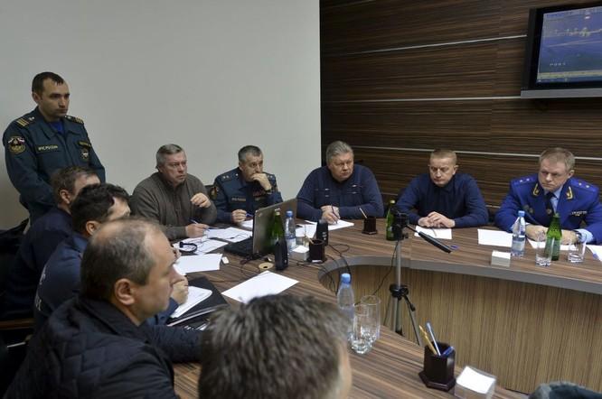 Những hình ảnh đầu tiên từ hiện trường tai nạn máy bay ở Rostov ảnh 6
