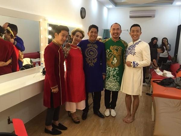 Hoảng hồn những màn kết hợp trang phục chẳng giống ai của sao Việt ảnh 2