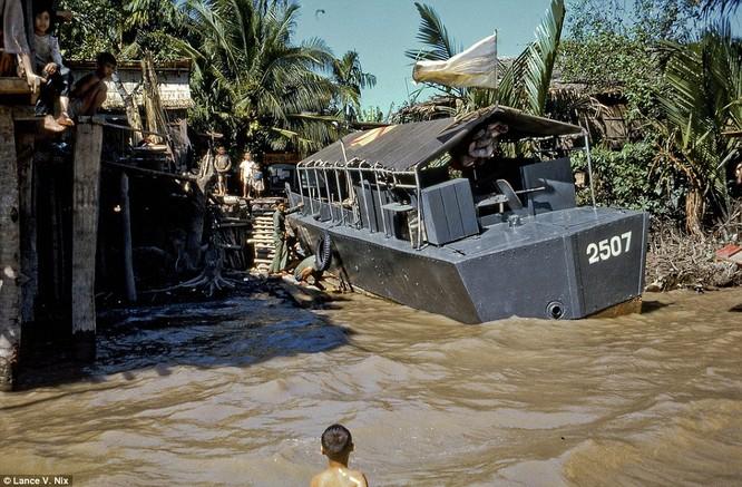 """Ảnh hiếm về """"chiến tranh cục bộ"""" Việt Nam 1968 - 1969 ảnh 13"""