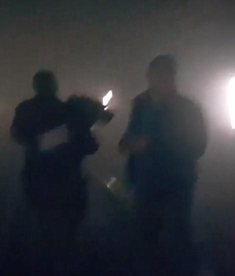 Khủng bố ở Bỉ: Chìm trong hoảng loạn và khói bụi dày đặc ảnh 29