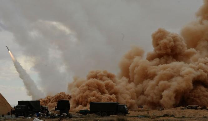 Hệ thống tên lửa bắn loạt Uragan của lực lượng vũ trang Syria ở Palmyra