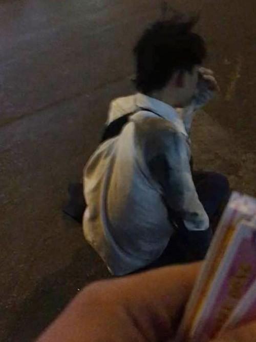 Video: Lật tẩy chiêu lừa giả cụt chân để xin tiền ảnh 6