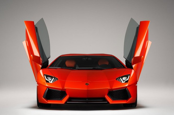 Ngắm siêu xe Lamborghini Centenario giá hơn 42 tỷ đồng ảnh 7