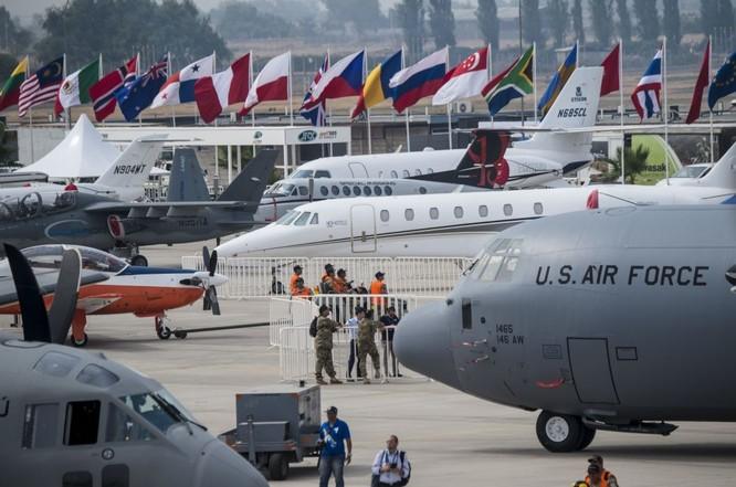 """Nhiều phi cơ quân sự """"khủng' xuất hiện tại triển lãm FIDAE 2016 ảnh 5"""