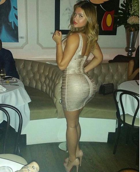 """Người đẹp Nga """"đốt mắt"""" hơn cả Kim Kardashian ảnh 4"""