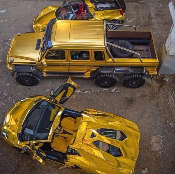 Choáng váng với dàn siêu xe dát vàng gây 'bão' ở Luân Đôn ảnh 6