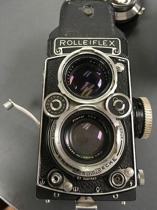 Kho báu máy ảnh cổ được tìm thấy dưới tòa soạn báo ảnh 8