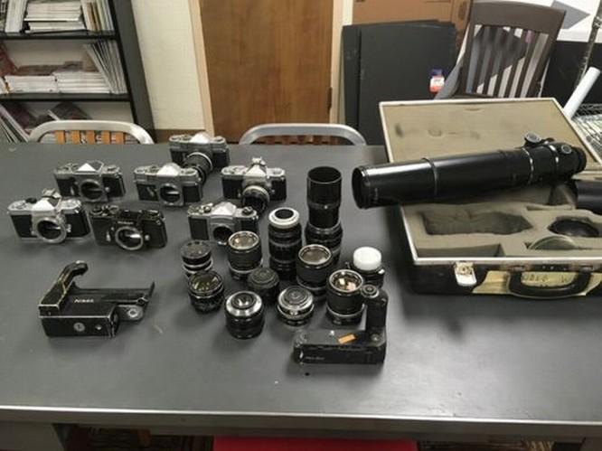 Kho báu máy ảnh cổ được tìm thấy dưới tòa soạn báo ảnh 2