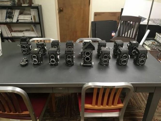 Kho báu máy ảnh cổ được tìm thấy dưới tòa soạn báo ảnh 1