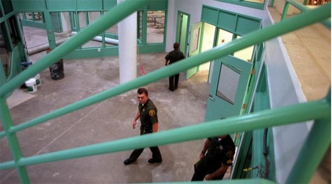 Video: 'Đột nhập' nhà tù nơi Minh Béo bị tạm giam ở Mỹ ảnh 4