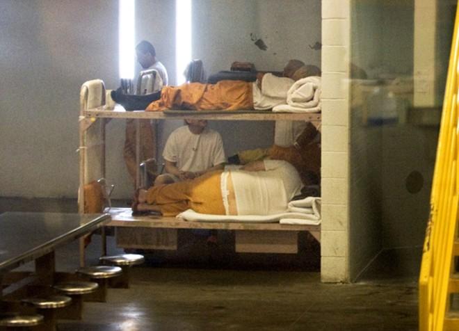 Video: 'Đột nhập' nhà tù nơi Minh Béo bị tạm giam ở Mỹ ảnh 5