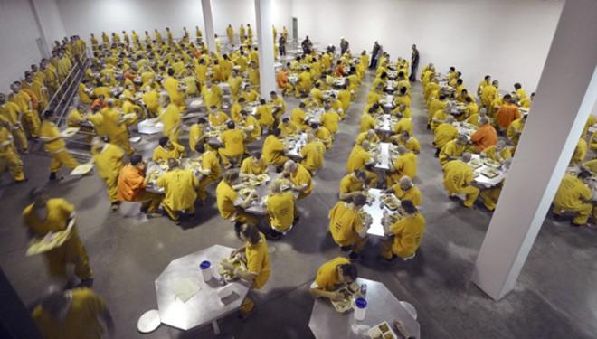 Video: 'Đột nhập' nhà tù nơi Minh Béo bị tạm giam ở Mỹ ảnh 7