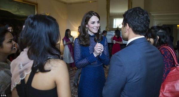 Công nương Kate gây sốt với hình ảnh xinh đẹp tựa nữ thần ảnh 5