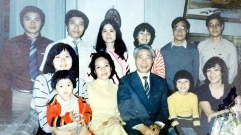 Đại gia đình ông Phạm Bình Minh