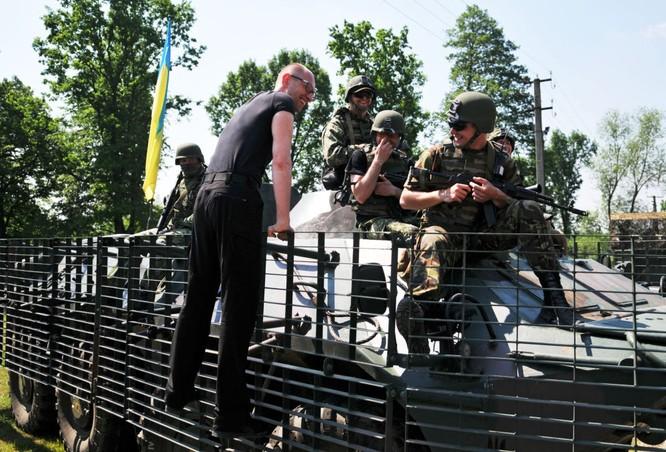 10 bức ảnh nhật ký con đường chính trị của Cựu Thủ tướng Ukraine Yatsenyuk ảnh 4