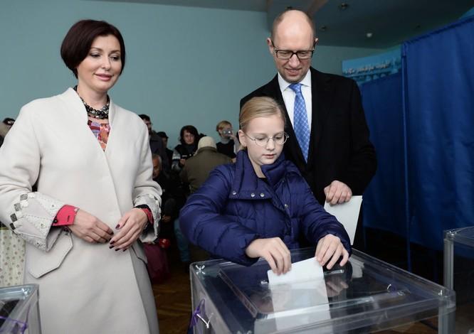 10 bức ảnh nhật ký con đường chính trị của Cựu Thủ tướng Ukraine Yatsenyuk ảnh 5