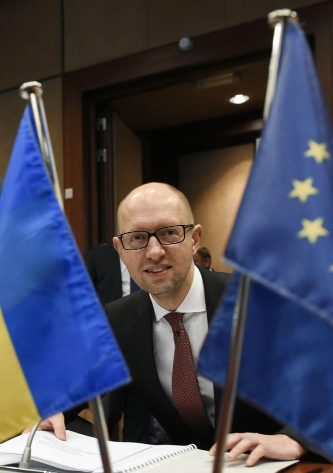 10 bức ảnh nhật ký con đường chính trị của Cựu Thủ tướng Ukraine Yatsenyuk ảnh 6