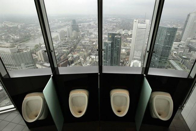 Choáng với những nhà vệ sinh 'độc' nhất hành tinh ảnh 13