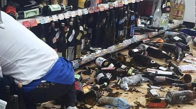 Nhật Bản: Đổ nát hoang tàn sau trận động đất ảnh 8