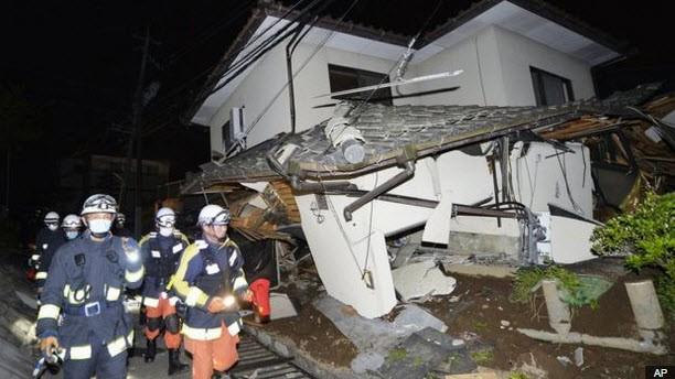 Nhật Bản: Đổ nát hoang tàn sau trận động đất ảnh 4