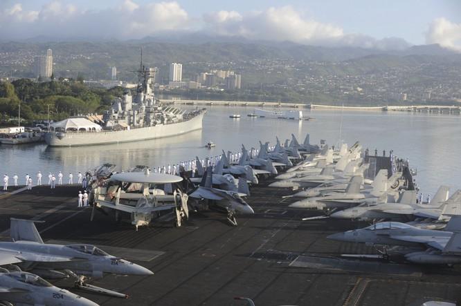20 bức ảnh bằng vạn lời nói về uy lực của tàu sân bay Mỹ ảnh 10
