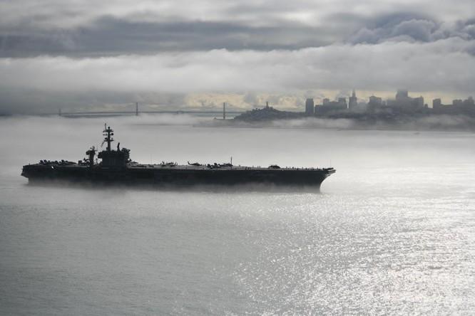 20 bức ảnh bằng vạn lời nói về uy lực của tàu sân bay Mỹ ảnh 15