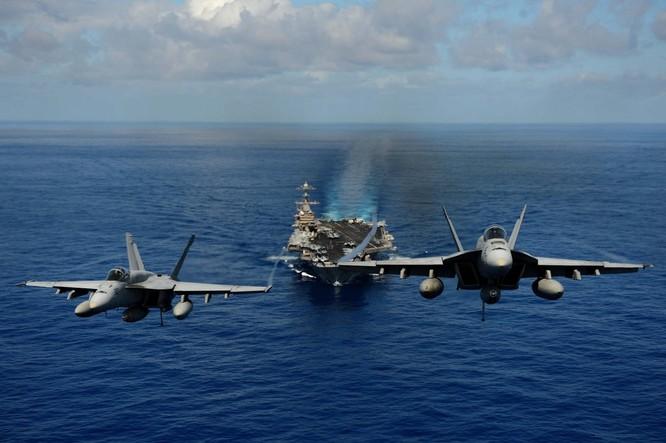 20 bức ảnh bằng vạn lời nói về uy lực của tàu sân bay Mỹ ảnh 17