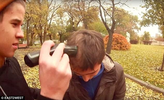 Video: Cháu tỷ phú Nga vung tiền mua tình một đêm với người yêu của bạn ảnh 2