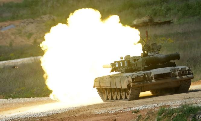 """Video: Cận cảnh """"xe tăng bay"""" T-80 ảnh 1"""