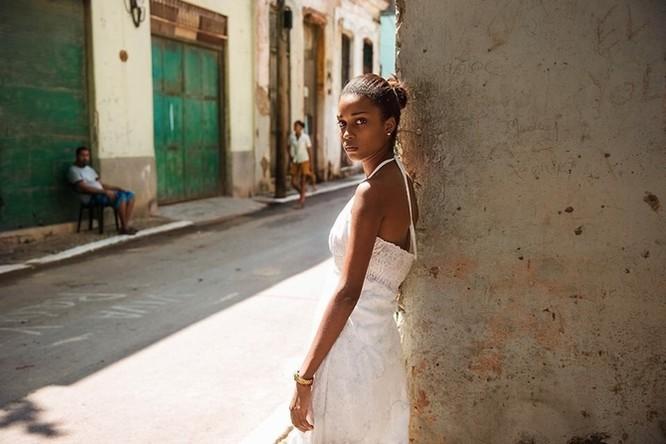 Vẻ đẹp mê hồn của đại diện phụ nữ tại 50 quốc gia ảnh 22