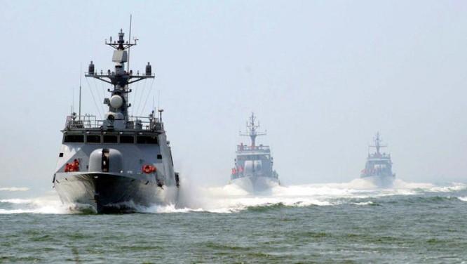 Hải quân Trung Quốc tập trận trên Biển Đông cuối tháng 6/2010 (Ảnh: AFP)