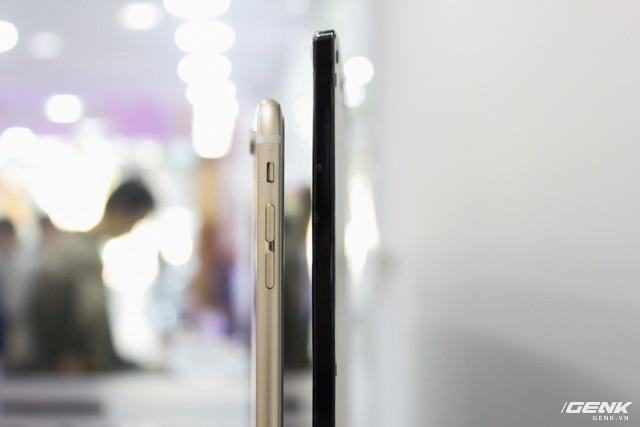 """""""Đập hộp"""" tivi màn hình cong mỏng hơn iPhone 6s của Xiaomi ảnh 1"""
