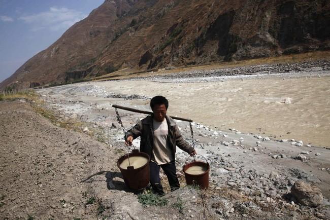 20 bức ảnh gây sốc về nguồn nước ô nhiễm trầm trọng ảnh 17