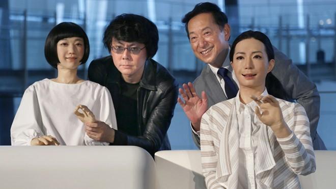 Con người sắp kết hôn với robot? ảnh 2