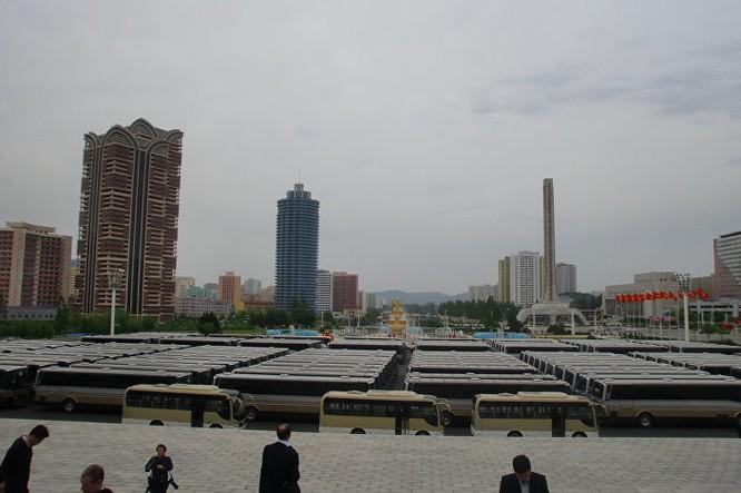 Triều Tiên: Không khí sôi động ngày bầu Chủ tịch Đảng Lao động ảnh 5