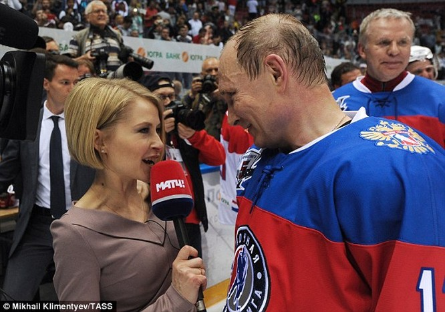 """Video: Putin ngã """"chổng vó"""" trên sân băng ảnh 6"""