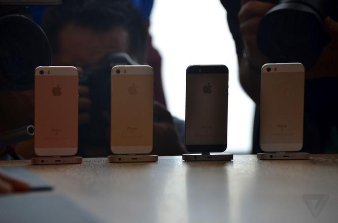 Vì sao người dùng Việt 'hờ hững' với iPhone SE? ảnh 1