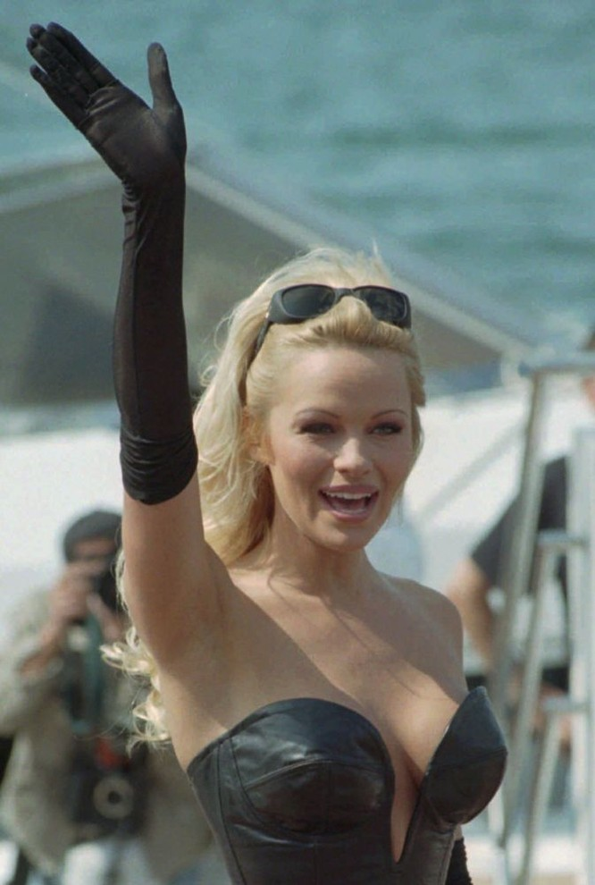Nữ diễn viên Pamela Anderson, 1995