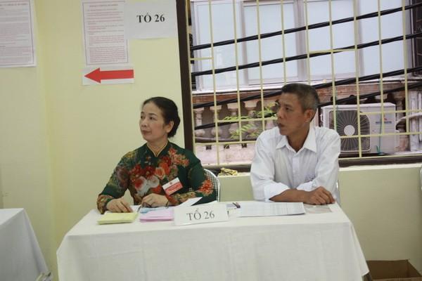 Chùm ảnh: Cử tri Hà Nội nô nức đi bầu cử ảnh 3