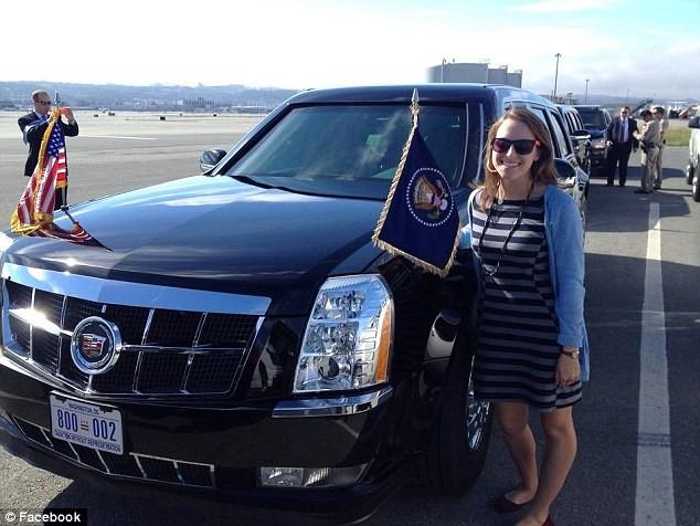 """Lái chiếc xe """"quái thú"""" cho Tổng thống Obama là một cô gái 26 tuổi ảnh 5"""