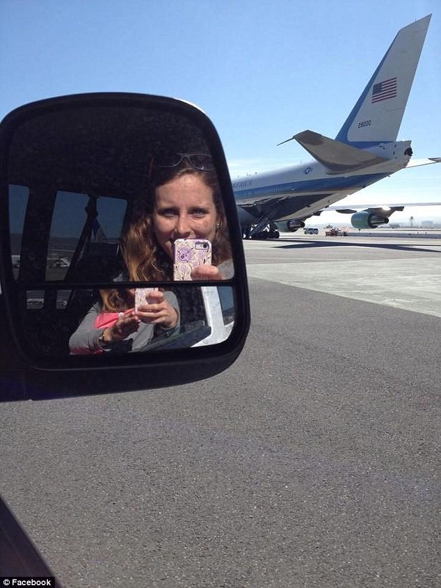 """Lái chiếc xe """"quái thú"""" cho Tổng thống Obama là một cô gái 26 tuổi ảnh 6"""