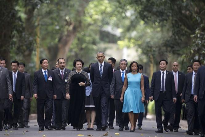 Tổng thống Mỹ đẹp ấn tượng qua góc máy phóng viên quốc tế ảnh 10